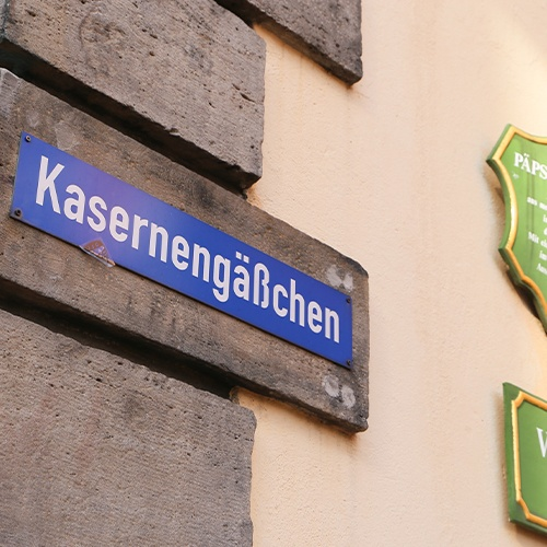 Kasernengäßchen Header Schild